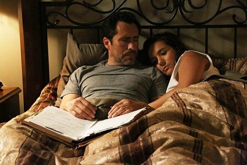 "The Bridge - Season 1 - ""Maria of the Desert"" - Demian Bechir as Marco Ruiz, Catalina Sandino Moreno as Alma Ruiz"