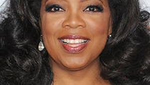 Oprah Premieres Final Season with Special Guests, Largesse for Audience