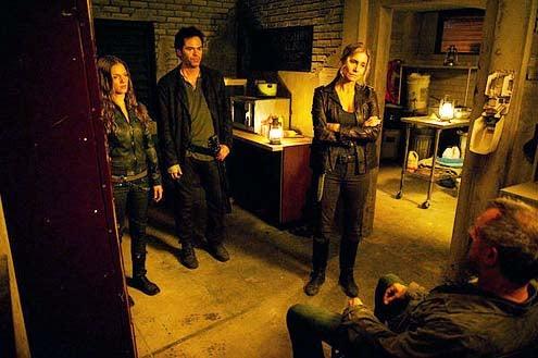 "Revolution - Season 2 - ""Come Blow Your Horn"" - Tracy Spiridakos, Billy Burke, Elizabeth Mitchell and Stephen Collins"