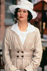 Wendy Crewson as Helen