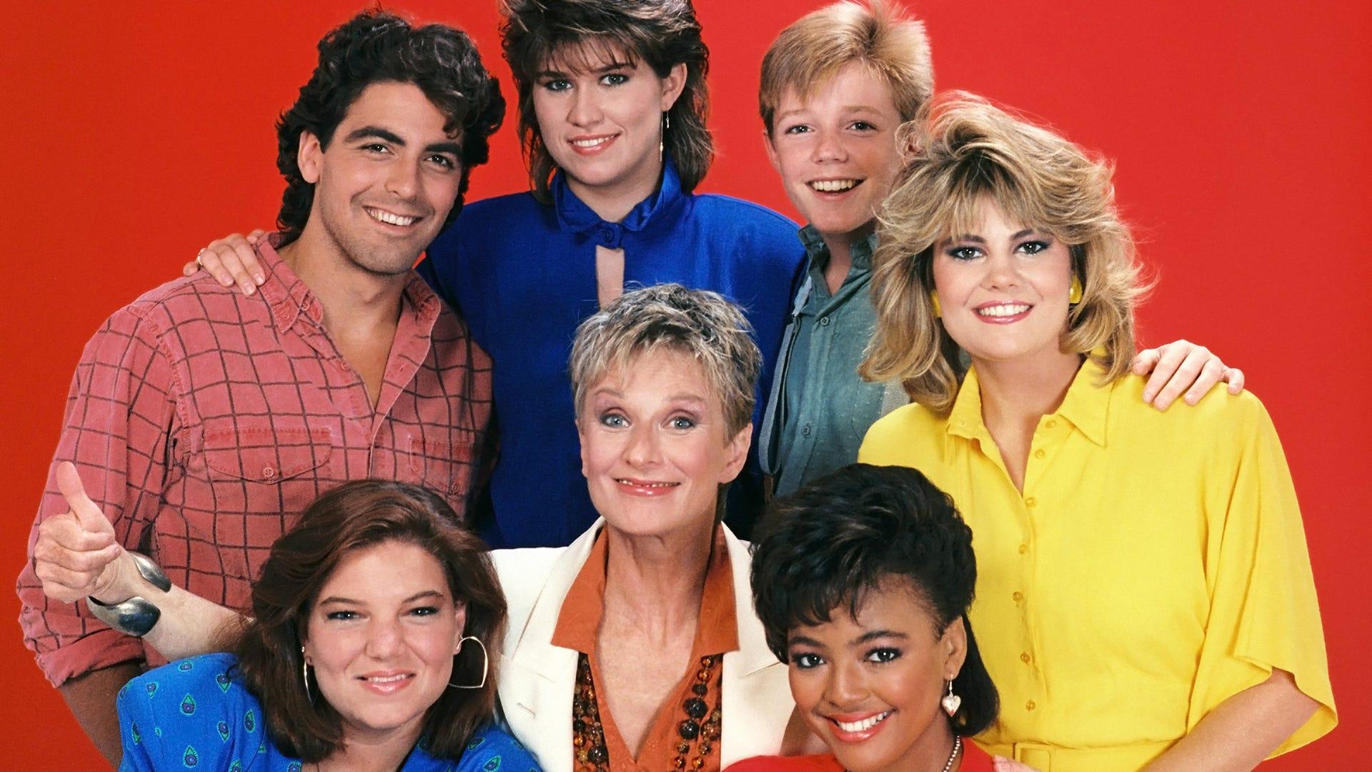 180803-factsoflife.George Clooney, Nancy McKeon, Mackenzie Astin, Lisa Whelchel, Kim Fields, Mindy Cohn, Cloris Leachman; The Facts of Life